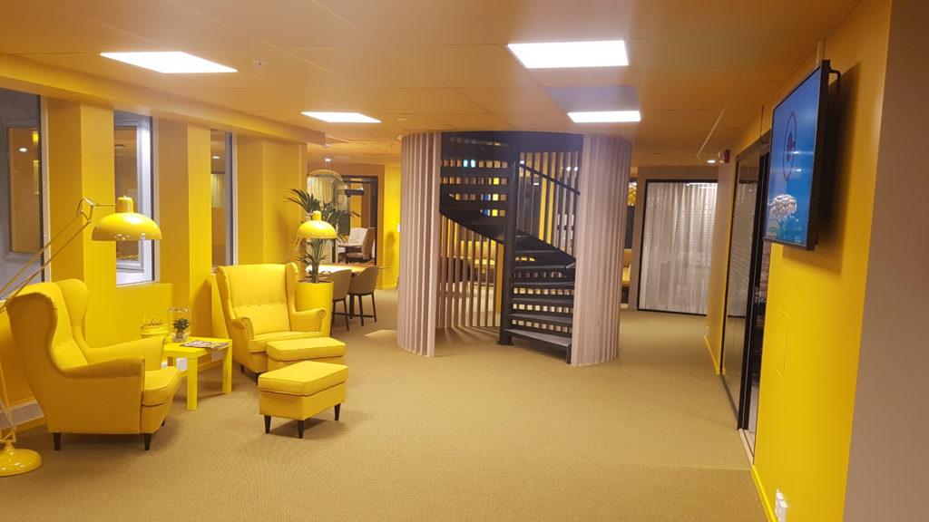 Interiør gult møterom
